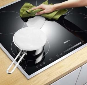 Easy cleaning induction hob